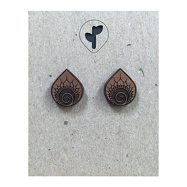 Image of mini stud / xochitl / walnut
