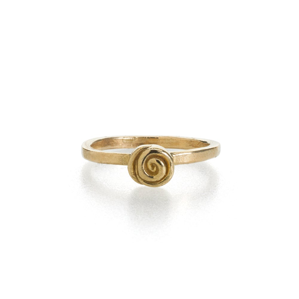 Image of briar rose ring . 14k yellow gold