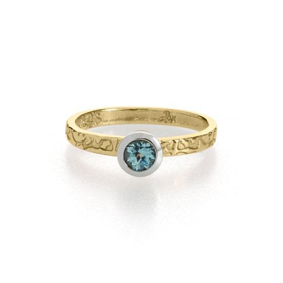 Image of Montana sapphire engagement ring . tudor rose