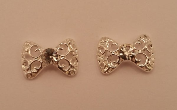 Image of Large lace bow nail charms (2pcs) 14x10mm Silver or gold