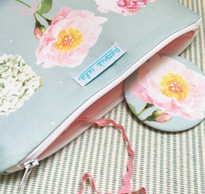 Image of Time to Bloom Pouch Bag