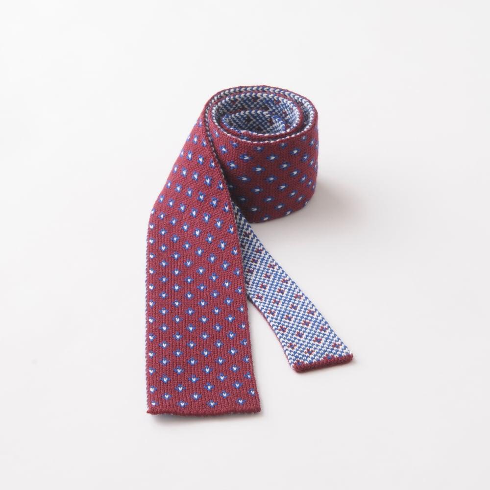 Image of Flee Dots Tie in Wine x Blue