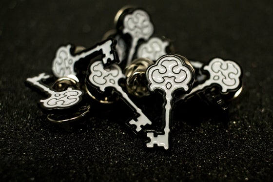 Image of SKELETON KEY MFG SKELETON KEY ENAMEL PIN
