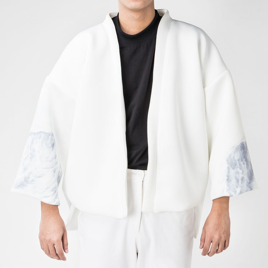 Image of Breather Basic Kimono (Illustration on Sleeves)