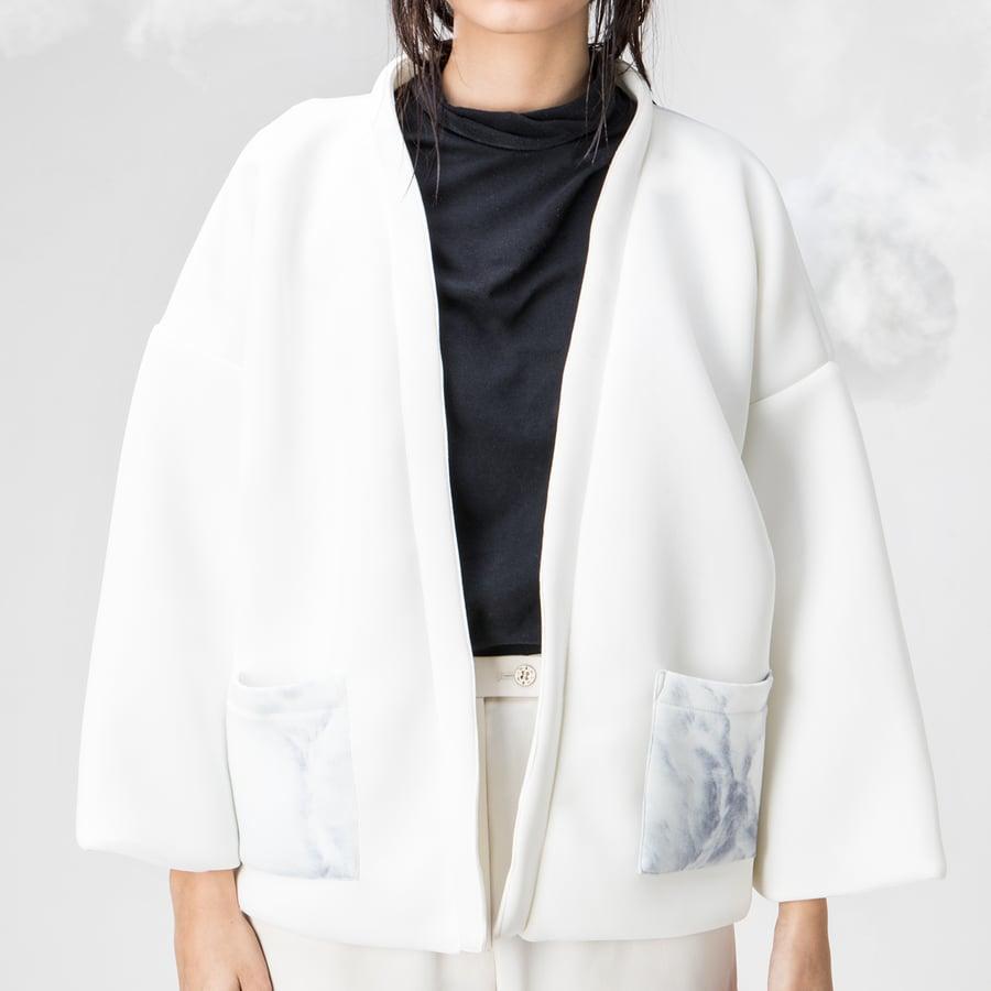 Image of Breather Basic Pocket Kimono (Illustration on Pocket)
