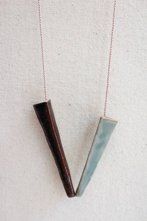 Image of Porcelain and stoneware necklace, silk chord in petal (2)