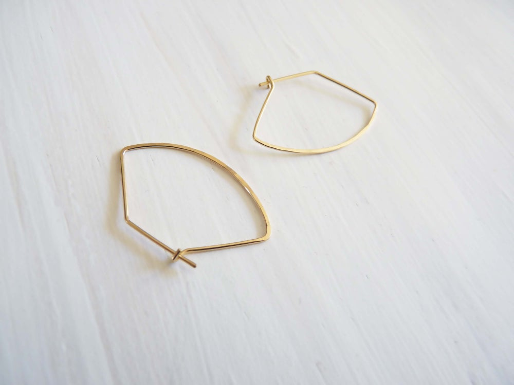 Image of Curve earrings