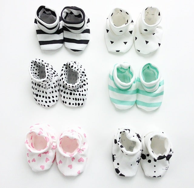Image of itty bitty organic cotton baby booties