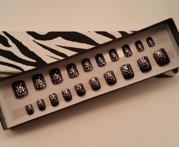Image of Black with metallic accent false nails. Deluxe set.