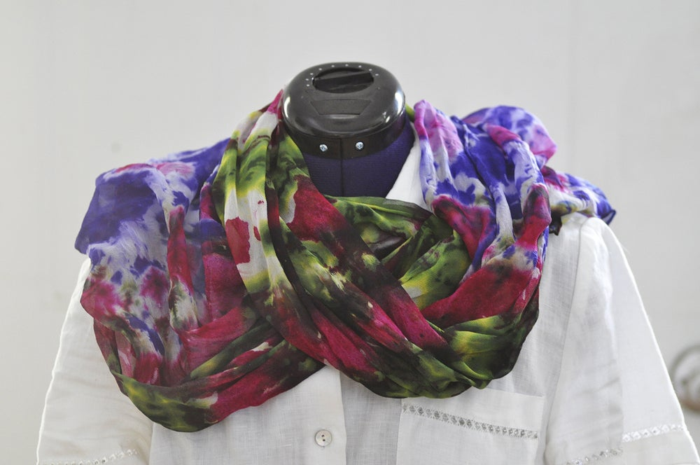 Image of Flower Border Scarf