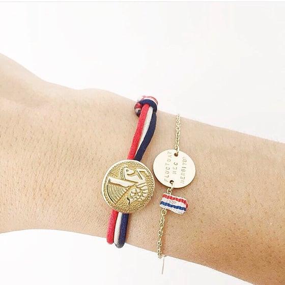 Image of Message on a bracelet