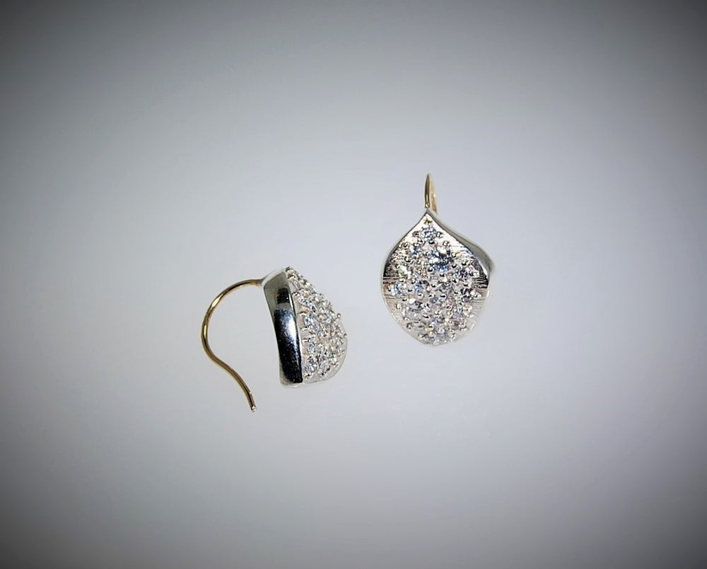 Image of Onde diamonds earrigs
