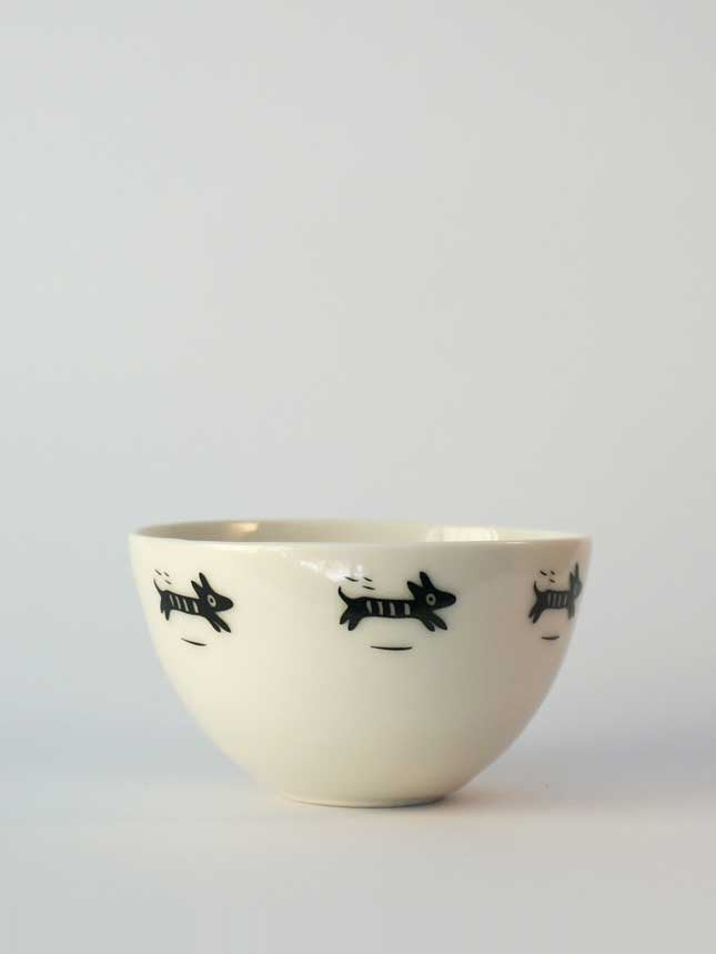 Image of Bowl with </br>black dogs