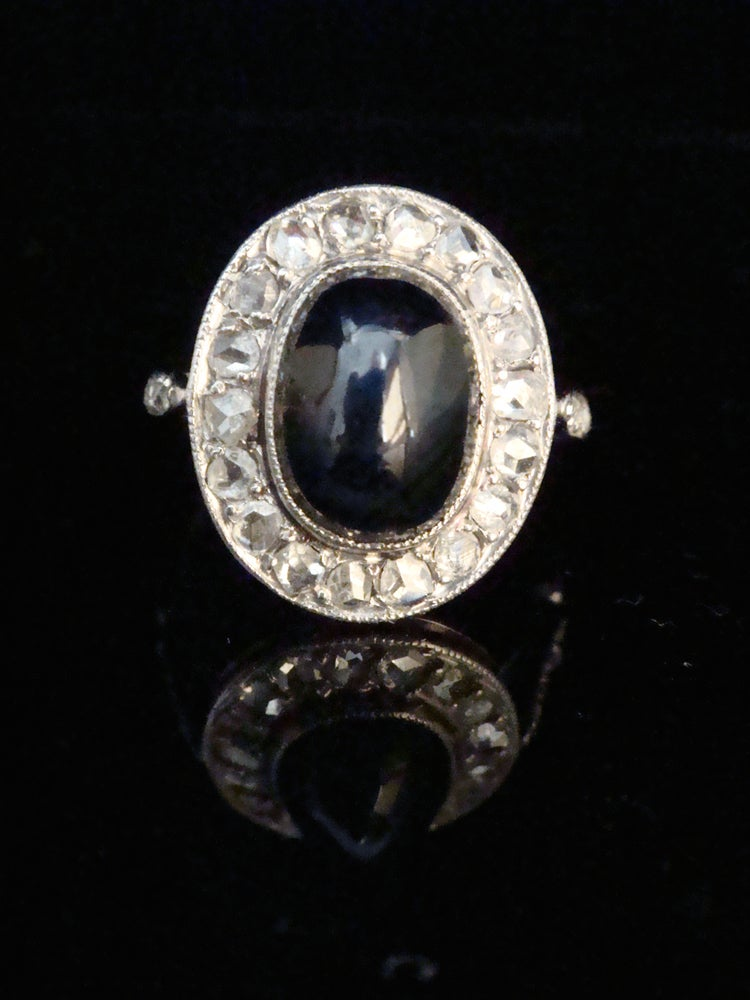 Image of French Art Deco Platinum natural sapphire and diamond ring