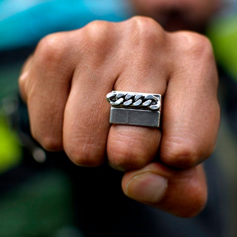 Image of Bague Carrée Chaine Sweet Chain HOMME / Square Ring with Chain Sweet Chain MEN