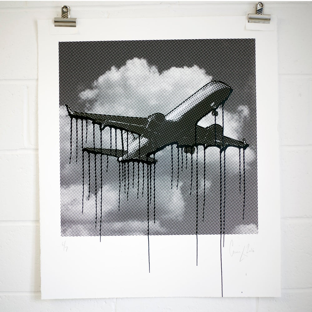 Image of Monochrome dripping plane 6 of 7