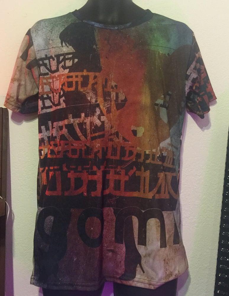 Image of Gomi Mary Street Walls Tshirt