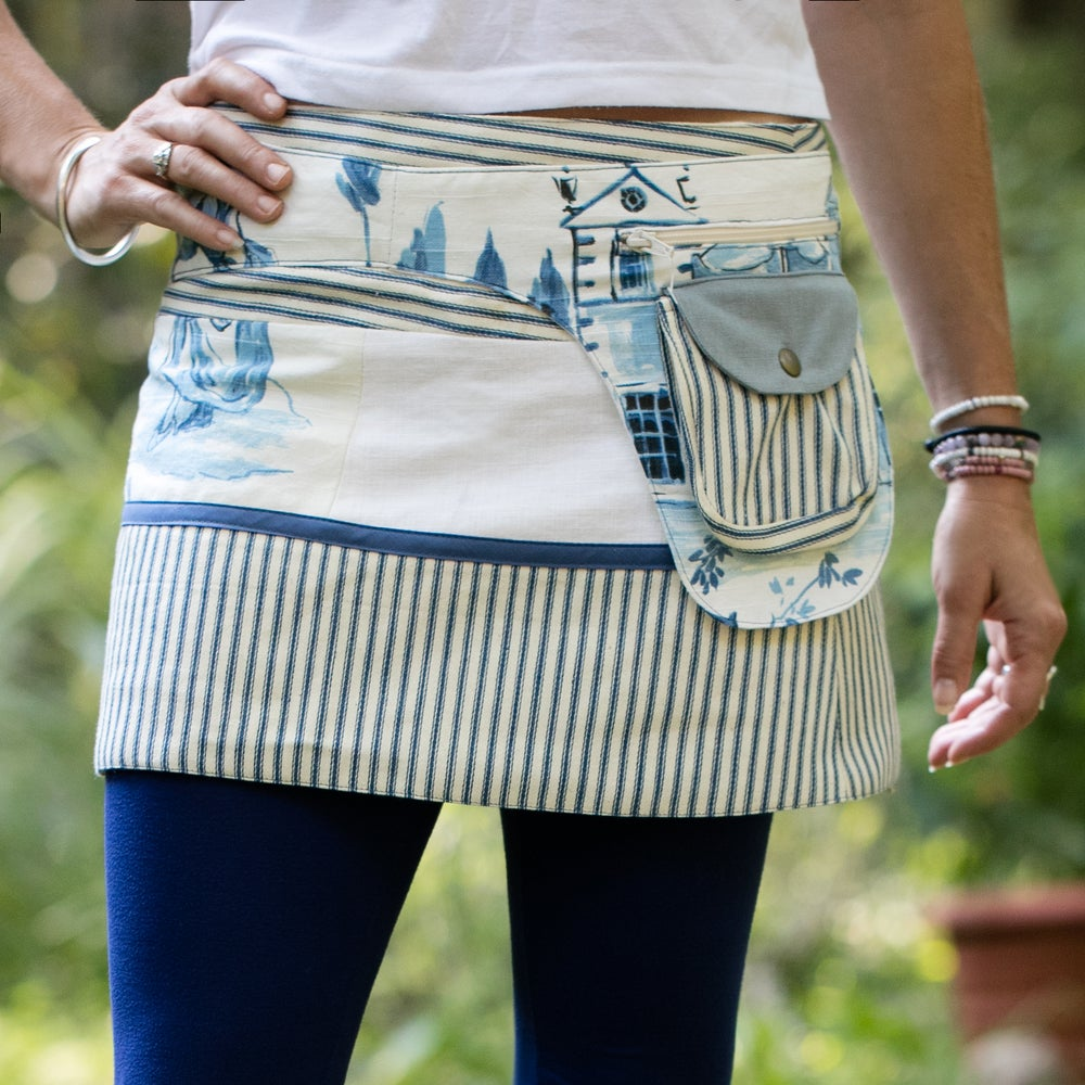 Image of Hollow & Ridge yoga skirt-vintage blue