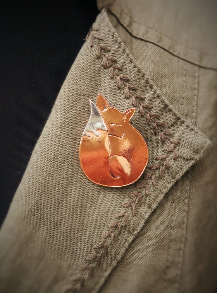 Image of Sleeping Fox Brooch