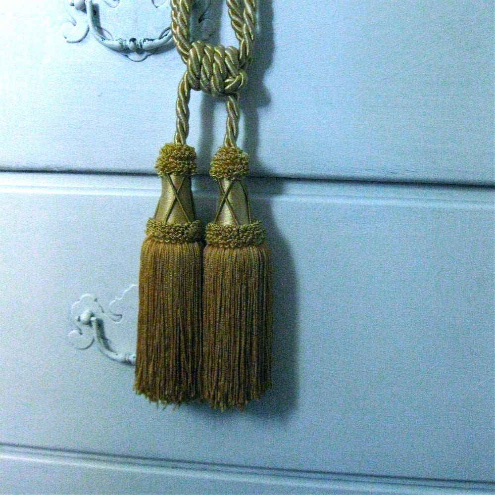 Image of Fringed Tassel