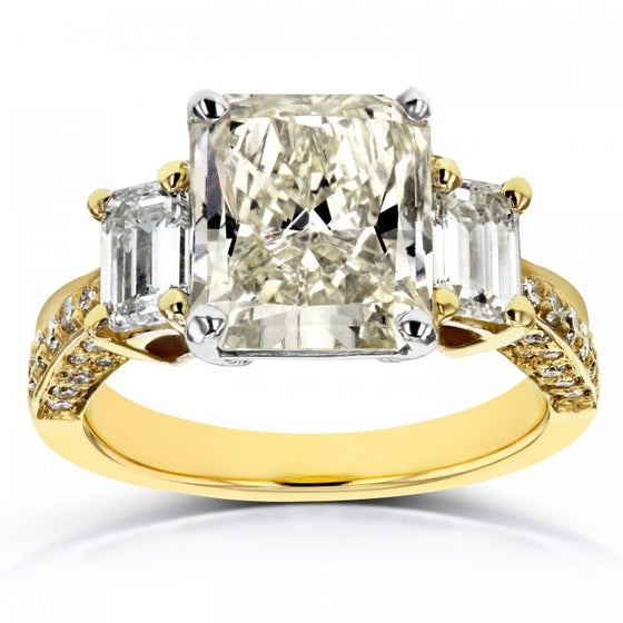 Image of THREE-STONE RADIANT AND EMERALD DIAMOND ENGAGEMENT RING 5 4/5 CTW IN 18K TWO-TONE GOLD