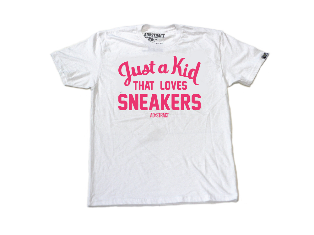 "JUST A KID THAT LOVES SNEAKERS ""PINK"" TSHIRT (MENS)"