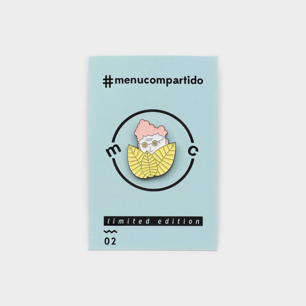Image of ENAMEL PIN <b>¿Where is granny?</b>