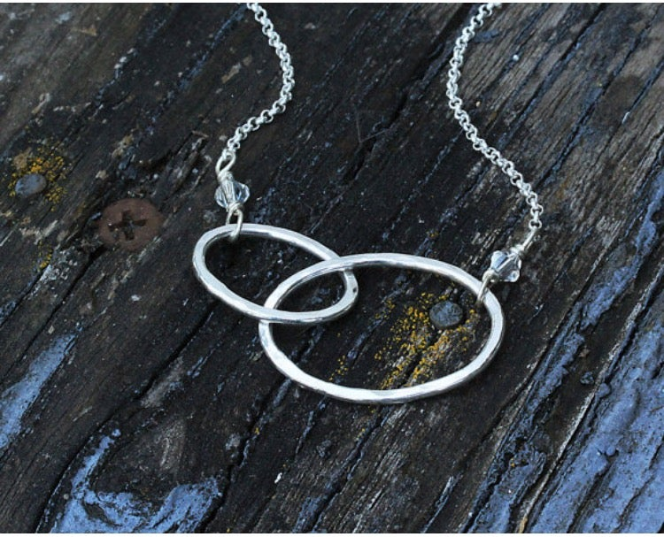Double oval link necklace