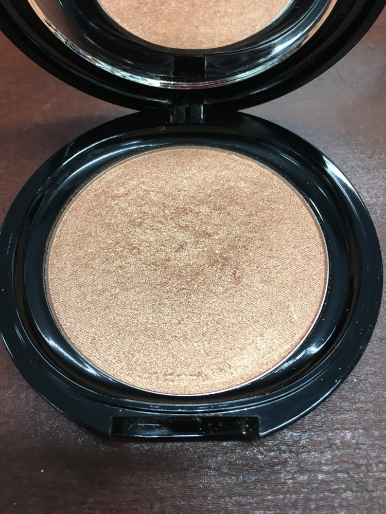 Image of HIGHLIGHTING POWDER - LUSCIOUS GLOW