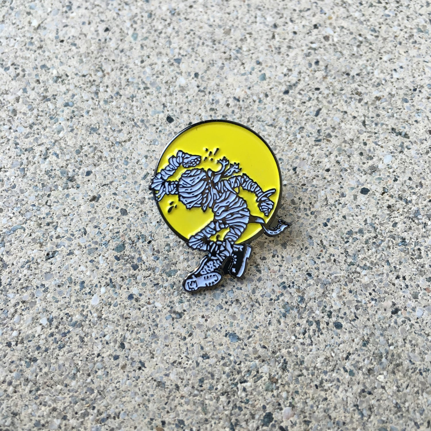 Image of Guest Pin! Mummy by Kavin Cook