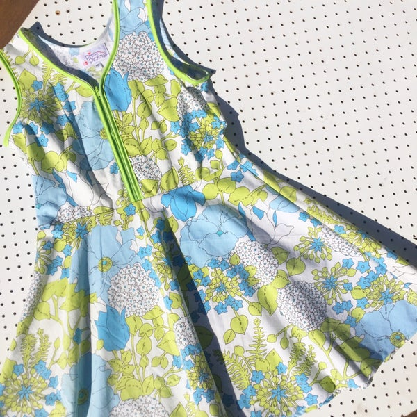 Image of Size 10 vintage twirl dress - garden love