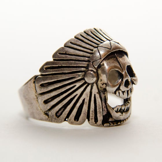 Image of Men's Vintage 1980s Skull Headdress Ring