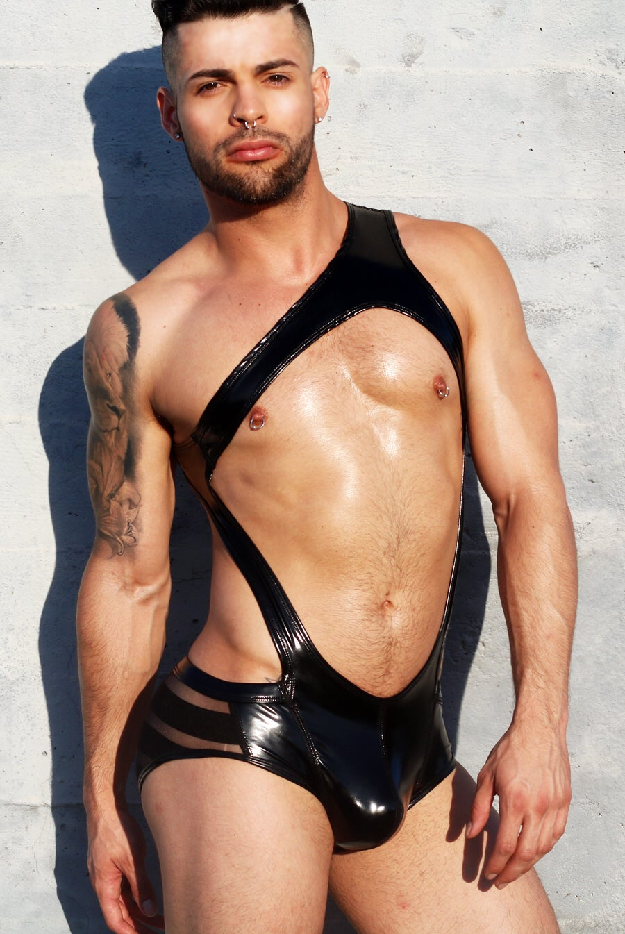Image of HIGH-GLOSS ONE SHOULDER HARNESS SINGLET