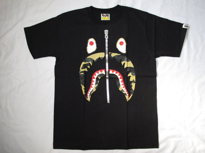 Image of A Bathing Ape (Bape) - Camo Shark 1 (Black)
