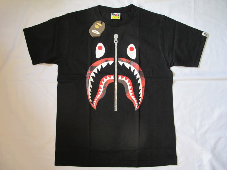 Image of A Bathing Ape (Bape) - Shark Red (Black)