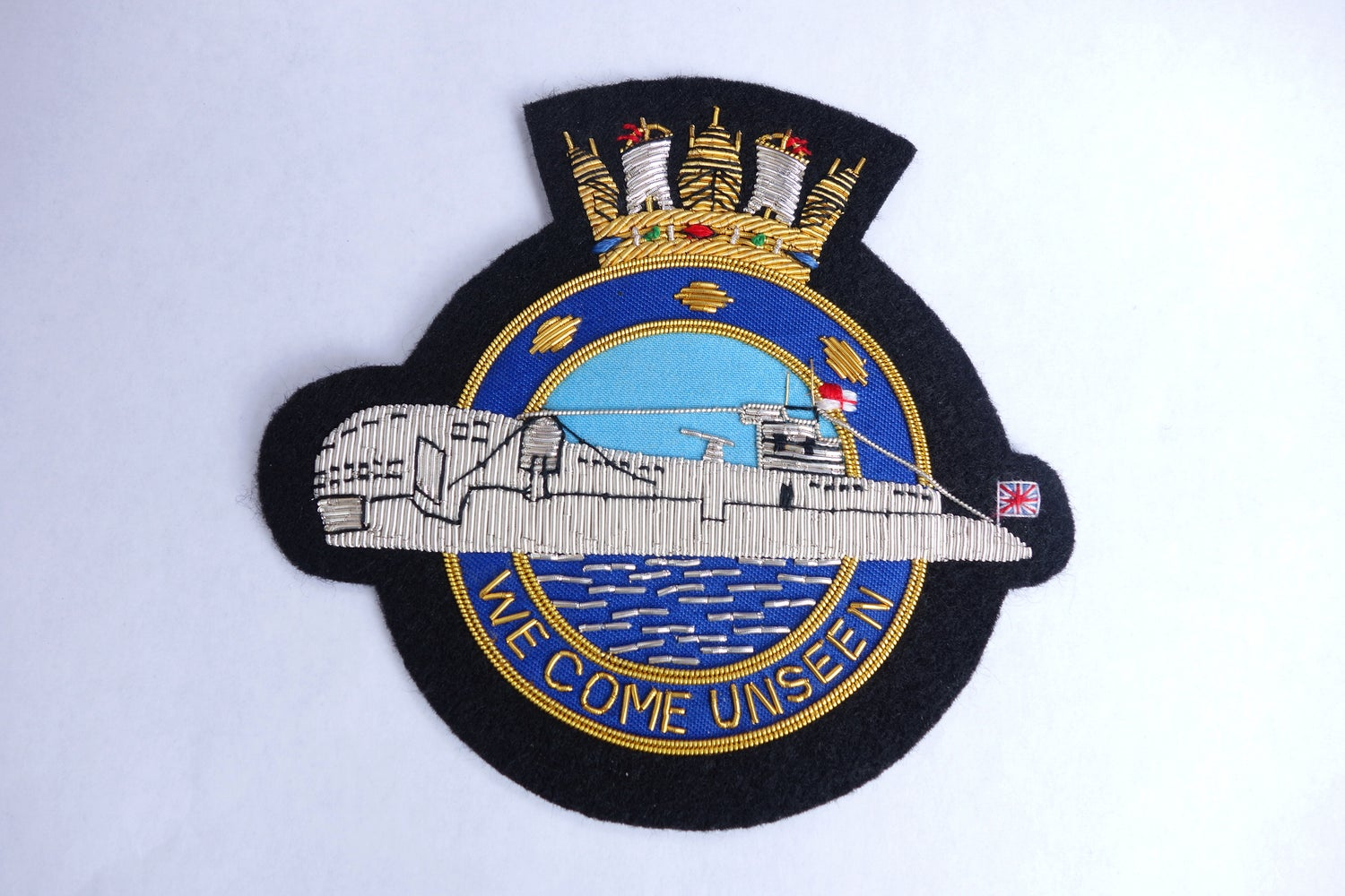 ROYAL NAVY SUBMARINE SERVICE '' WE COME UNSEEN '' QUALITY BULLION BLAZER  BADGE