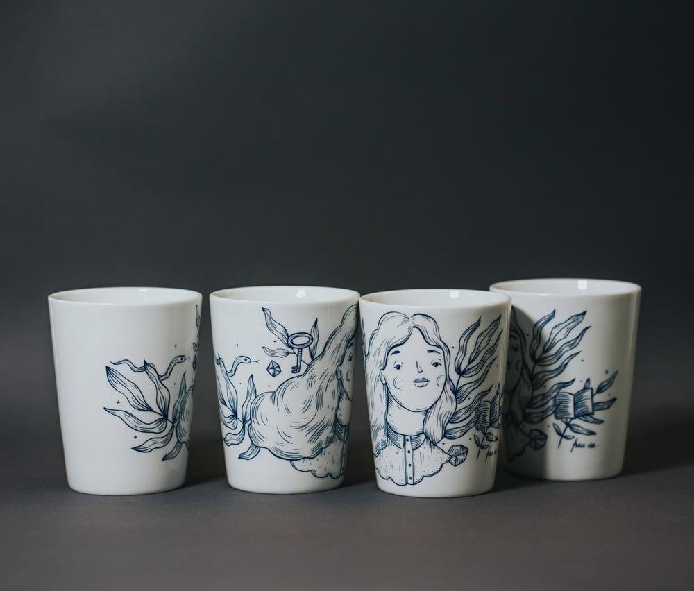 Image of 3 + 1! Porcelain Mug Set - Frau Isa
