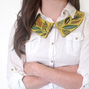 Image of Celadon Leaves - Faux Collar