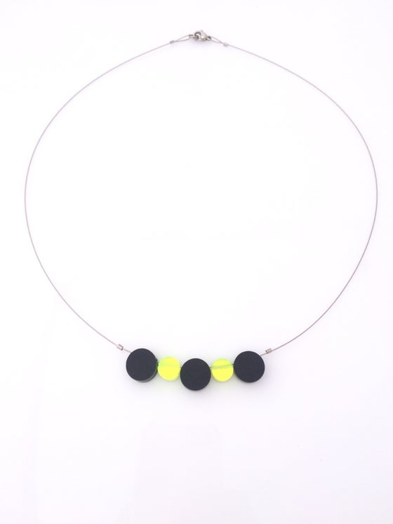Image of Náhrdelník / Necklace Black - fluorescent green