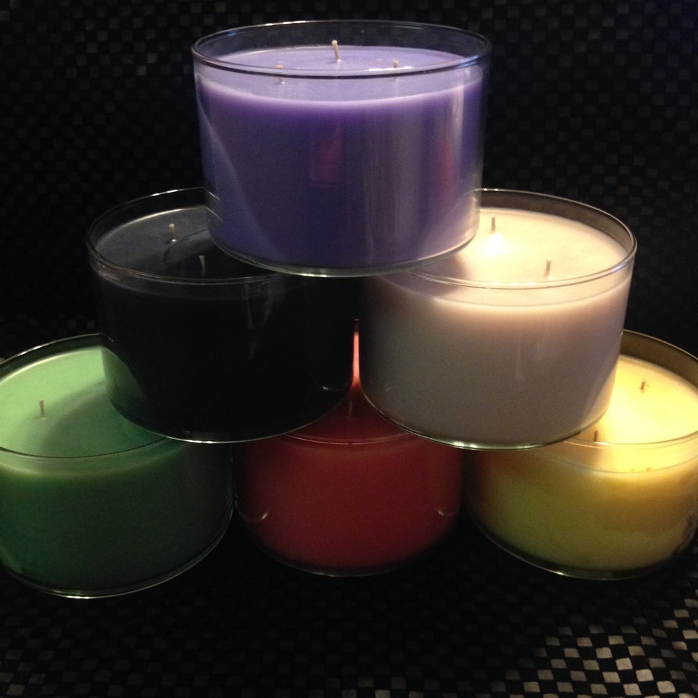 Image of Triple wicked 20 ounce candle