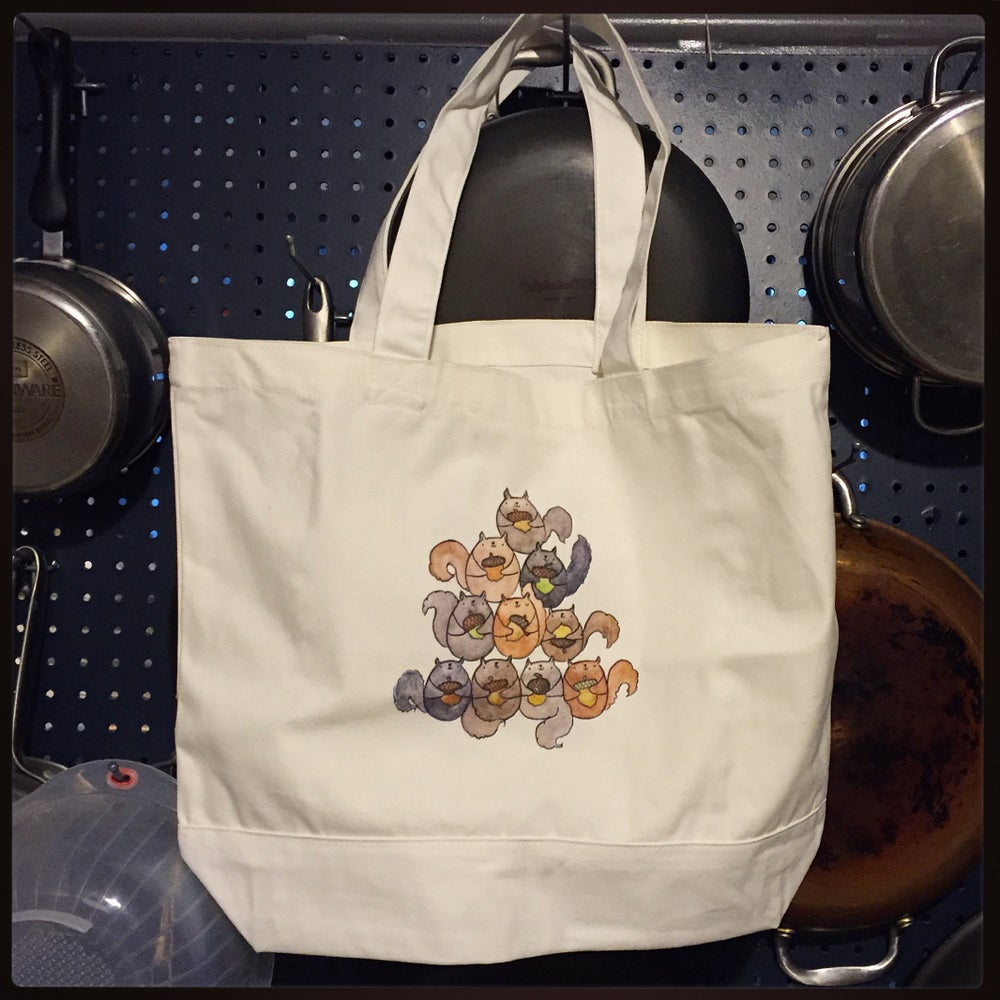 Image of squirrel tote