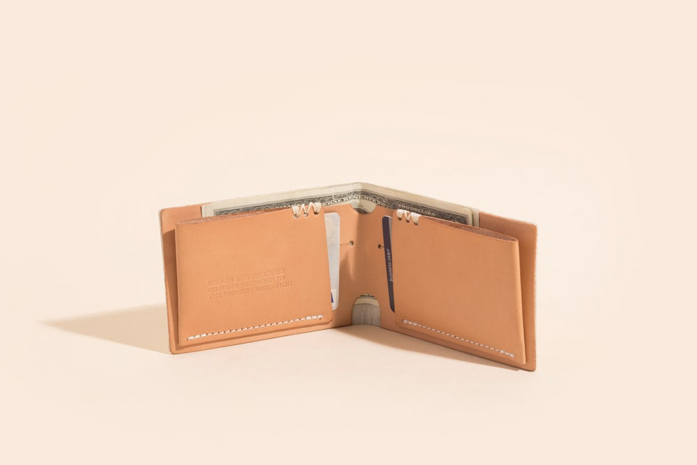 Image of Seamless Billfold - Veggie Tan w/Foil Stamp