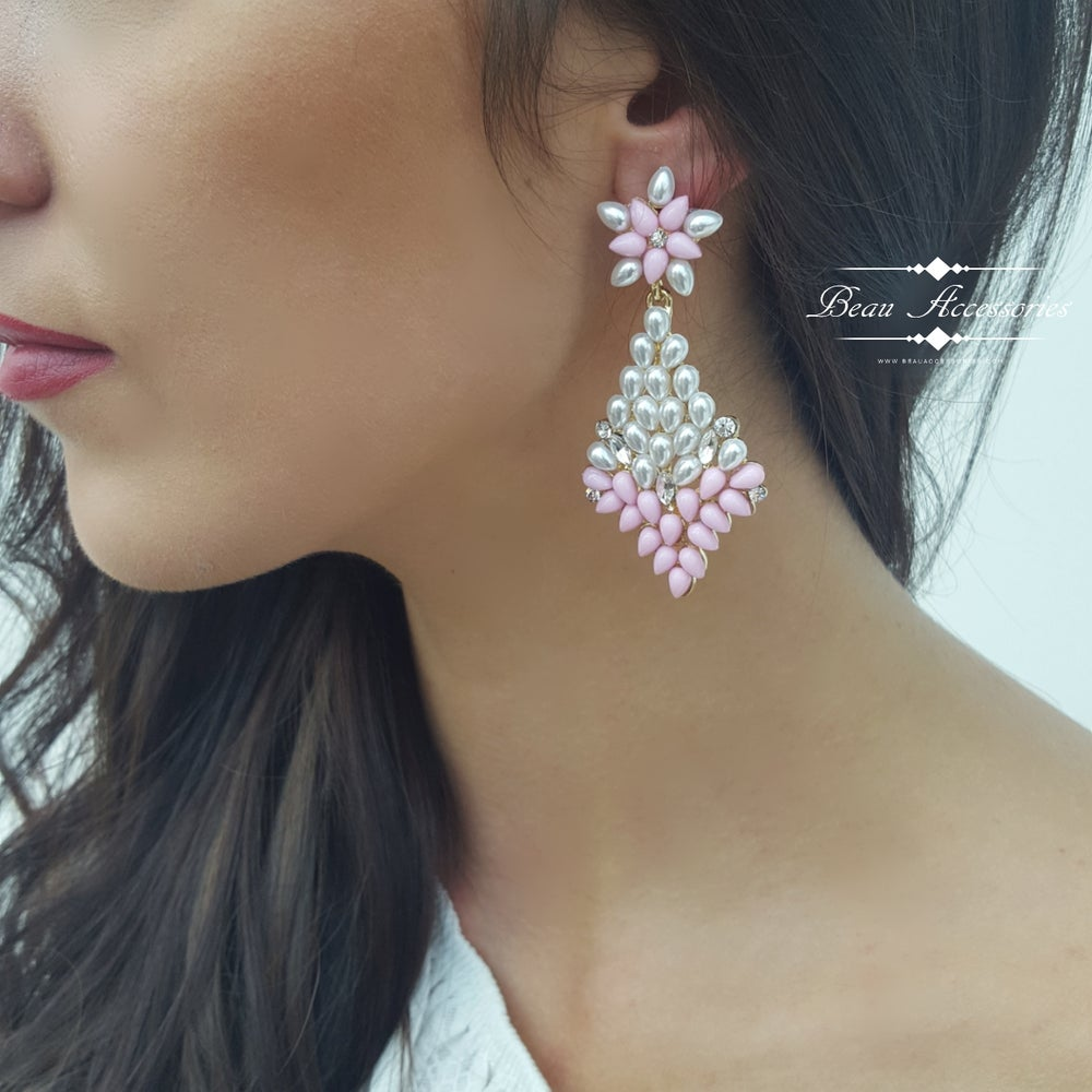 Image of Soft Pink and Pearl Dangle Earrings