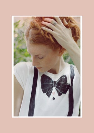 Image of Charlotte bow tie and suspenders t-shirt dipinta a mano, personalizzabile o su misura