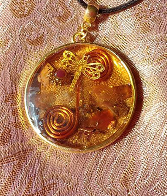 Image of Round Amber&Gold Pendant