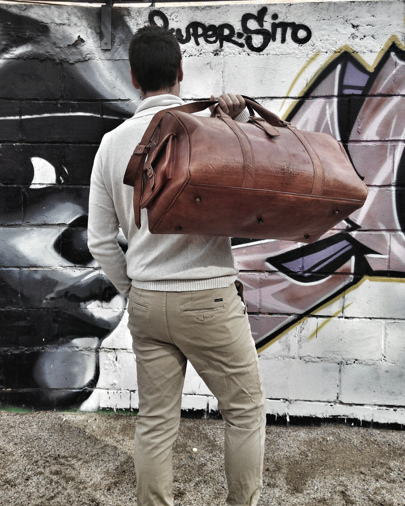 Image of travel leather bag fad