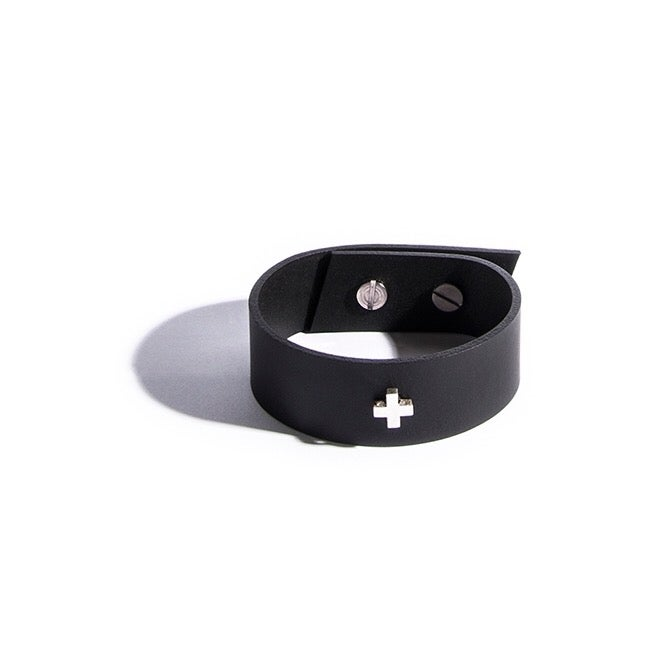 Image of AUMORFIA - LIBERTA CROSS_SM CUFF