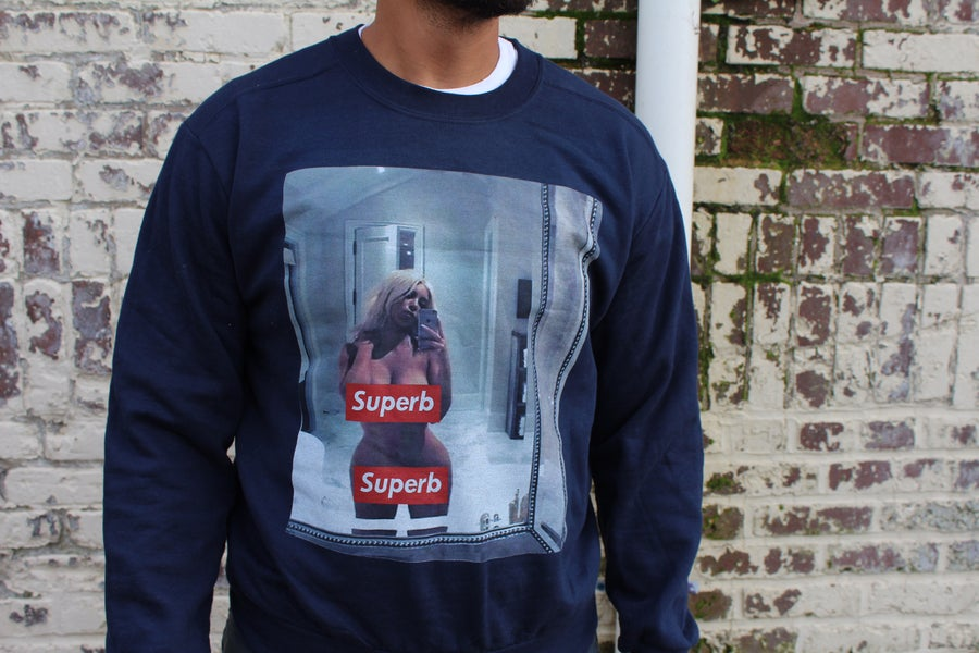 Image of Superb Nothing to wear  T-shirt/Sweatshirt Crewneck
