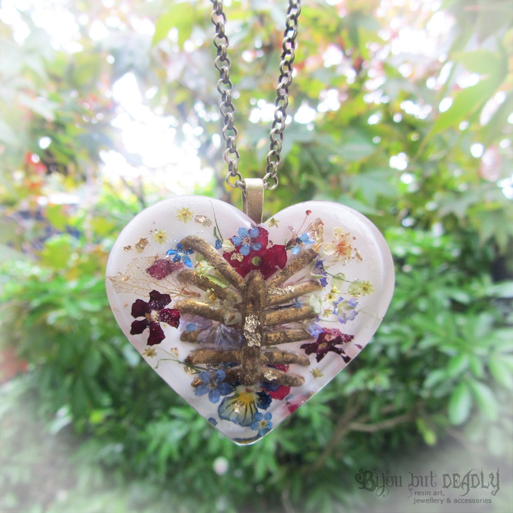 Real Flowers and Ribs Pendant