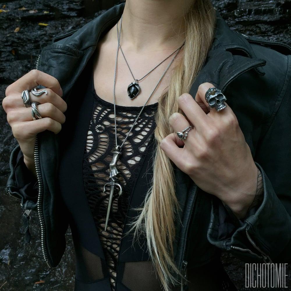Image of La Belladonna Pendant Black Onyx